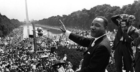 x36646673 FILESThe civil rights leader Martin Luther King C waves to supporters in this 28 August 196.jpg.pagespeed.ic .yF8lvligmn